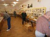 Příprava výstavy k 65. výročí založení LMK v Drozdově